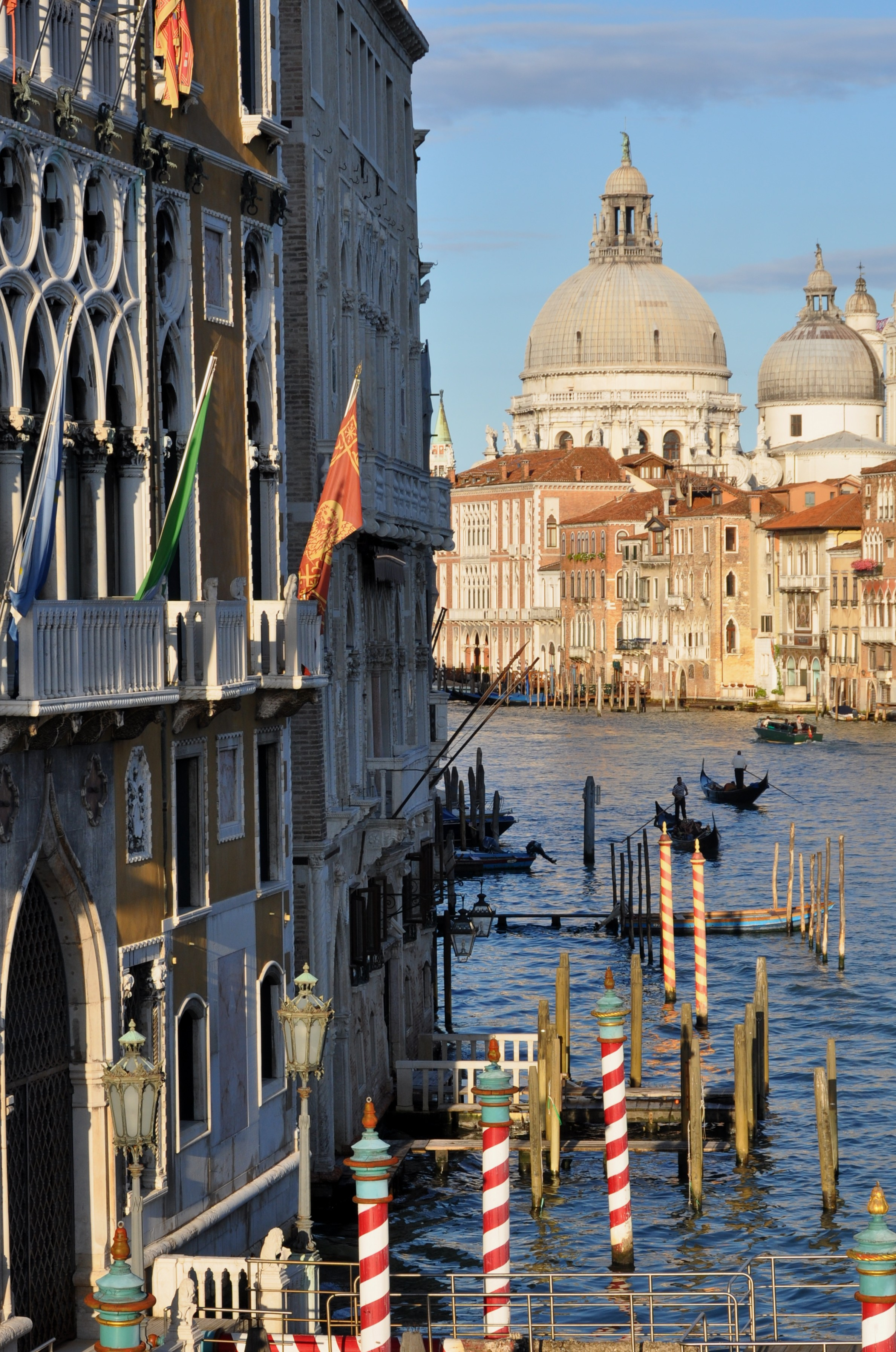 Venice Full Face Black Mirror Mask: Top 10 Things To Do In Venice, Italy