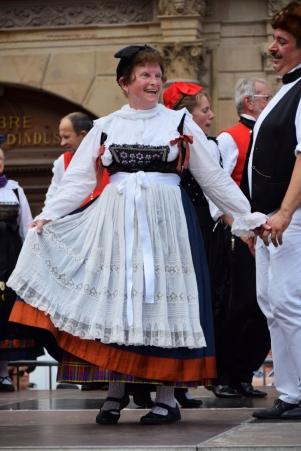 Folk dancers in Place Gutenberg